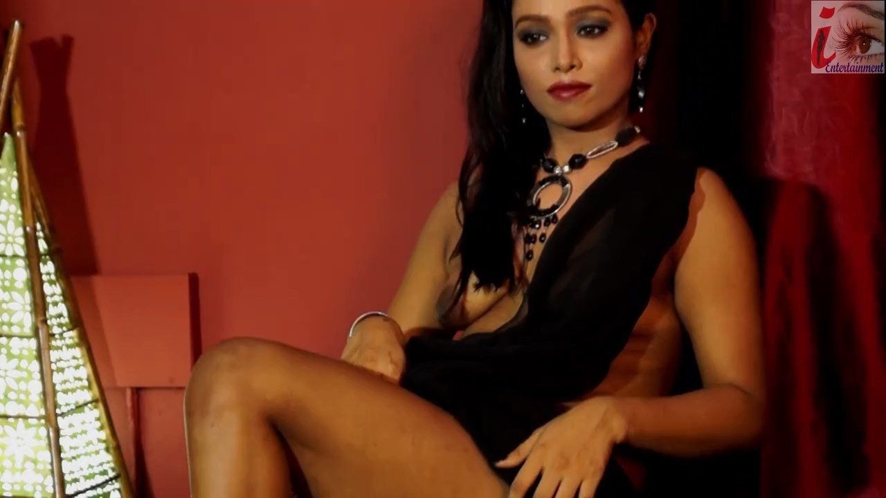 SSBB 12 - 18+ Shilpa Black Sharee 2020 iEntertainment Originals Hindi Video 720p HDRip 170MB x264 AAC