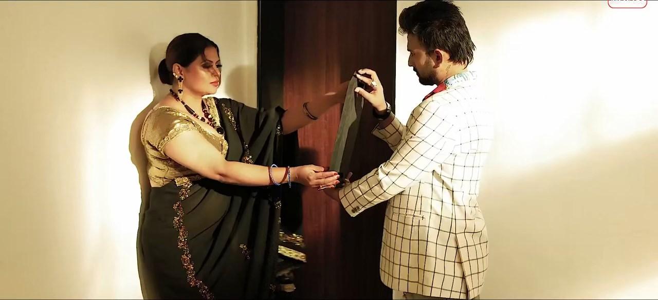 Aap Kee Sapna Bhabhi EP4.mkv snapshot 00.33.905 - 18+ Aap Kee Sapna Bhabhi 2020 S02E04 Hindi Flizmovies Web Series 720p HDRip 150MB x264 AAC
