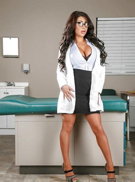18+ Doctor Adventures (Brazzers) 2021 New Adult 720p HDRip Download