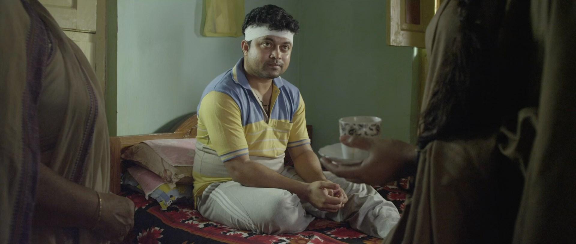 Dharasnan 2018 Bengali 1080P WEBRiP.mkv snapshot 00.15.50.095