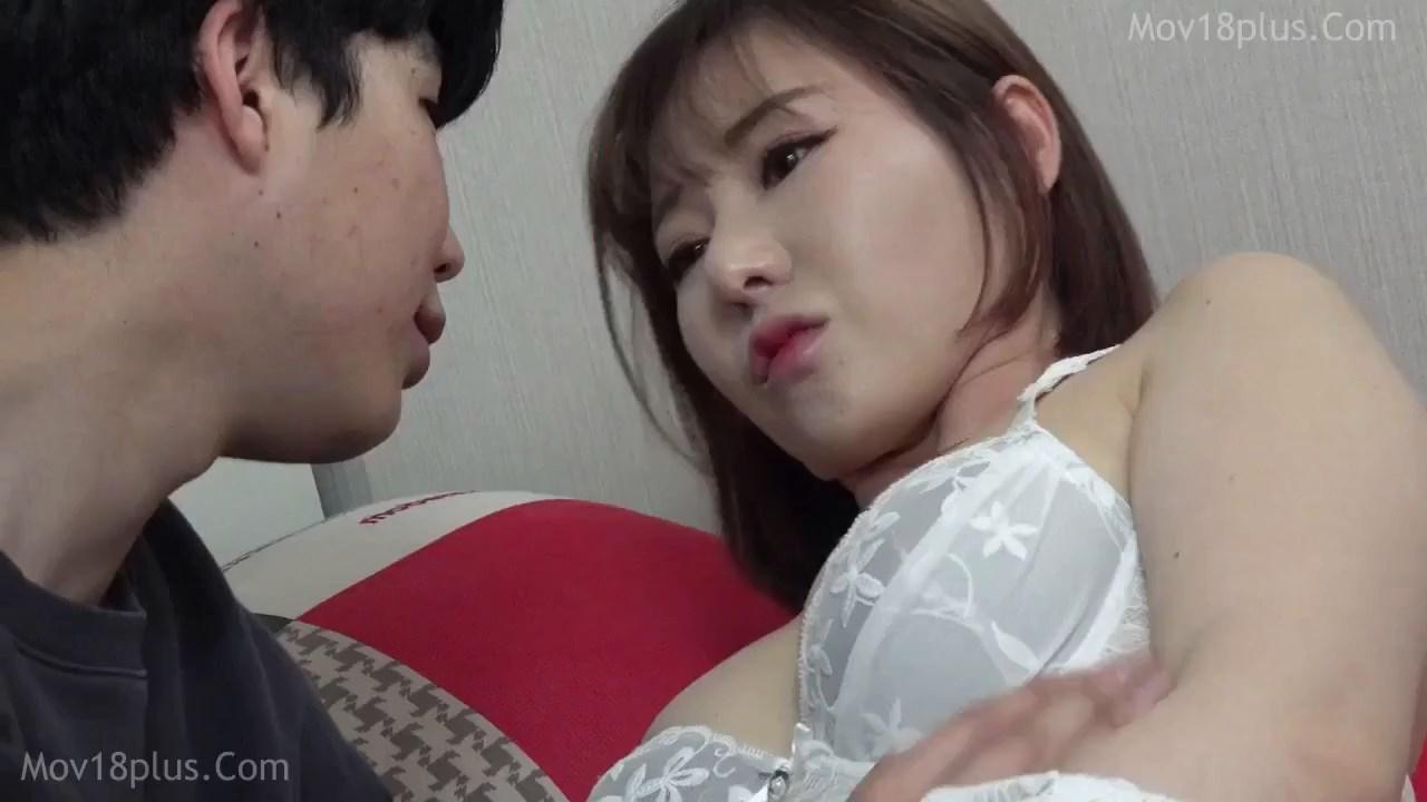 Pretty little sister 4 2021 Korean Movie 720p HDRip.mp4 snapshot 00.39.17.250