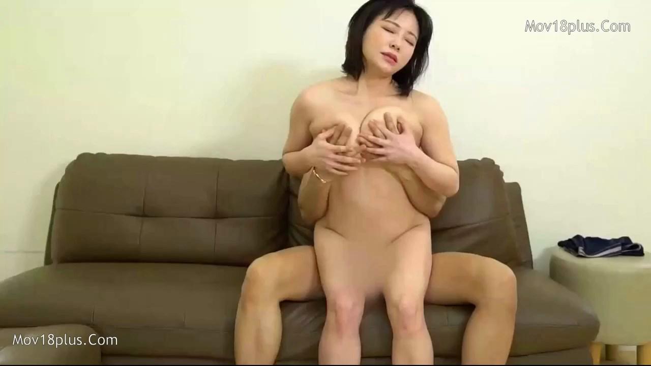 Revealing Stepmom (3)