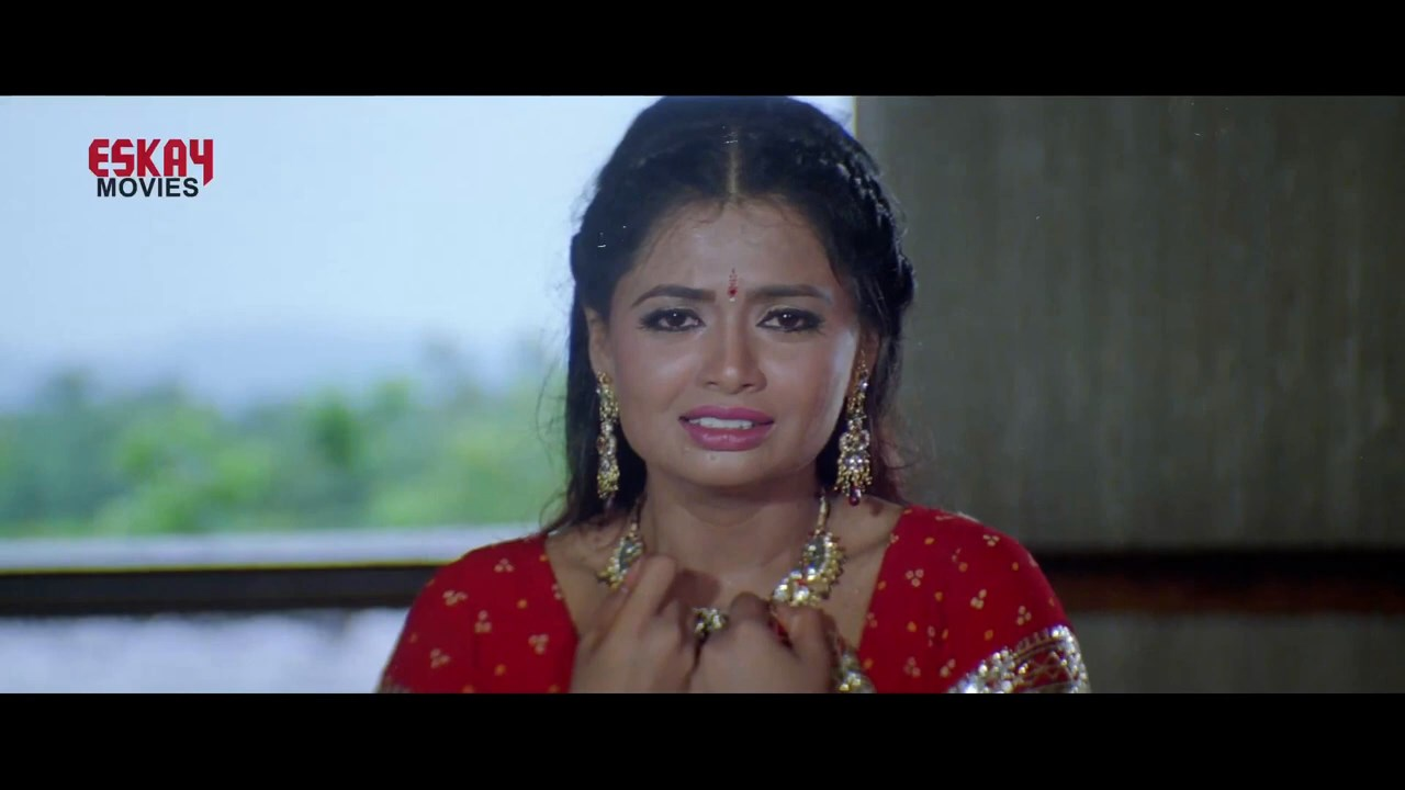 Aasbe Kobe Tumi Seje Mohini 2021 Bengali Movie.mp4 snapshot 02.29.46.666