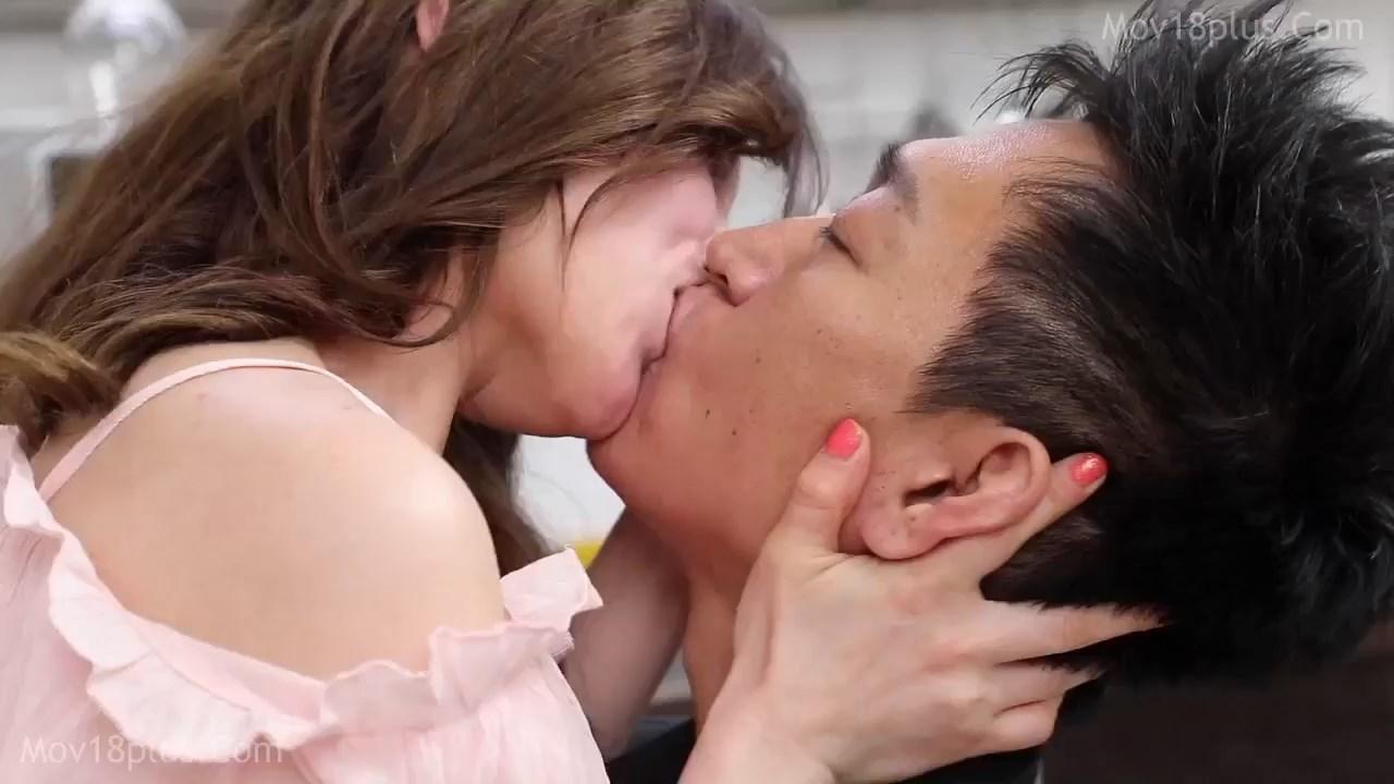 The world of siblings 2021 Korean Movie 720p HDRip.mp4 snapshot 00.47.32.583