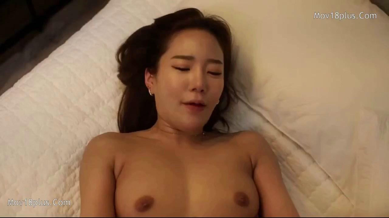 I'm Newlywed, You're Remarried 2021 Korean Movie 720p HDRip.mp4 snapshot 01.13.15.458