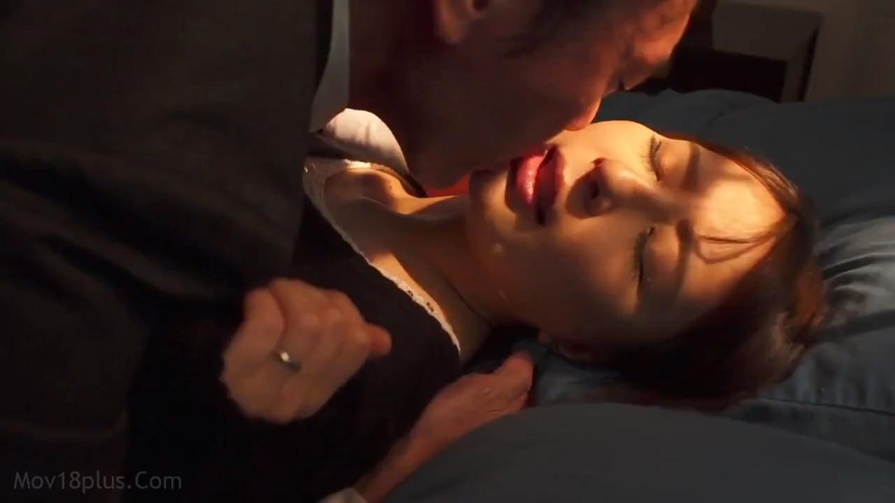 Wife's sexual entertainment 2021 Korean Movie 720p HDRip.mp4 snapshot 00.37.31.651