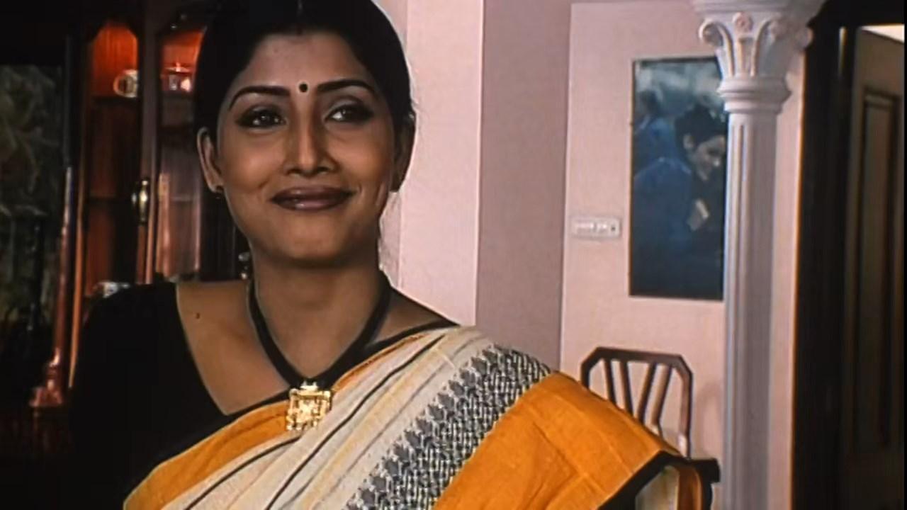Hotath Neerar Jonnyo (2004) UNRATED Bengali 720p HDRip.mkv snapshot 00.21.01.981