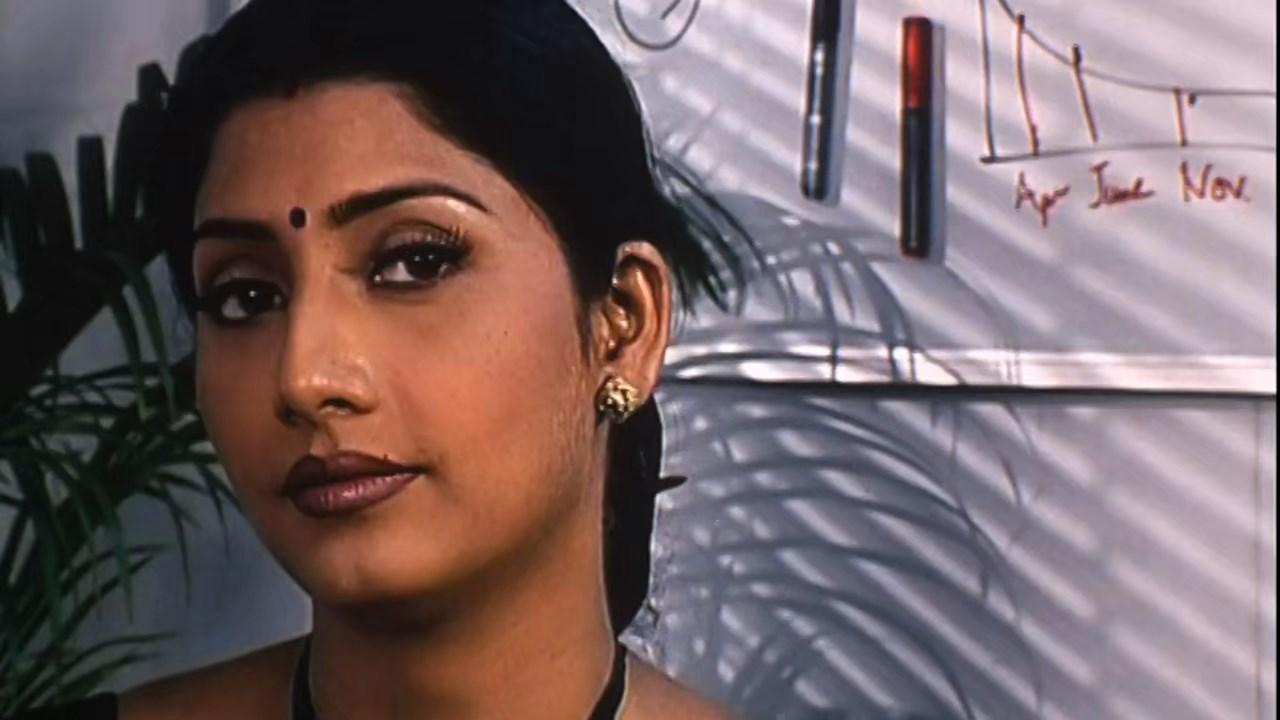 Hotath Neerar Jonnyo (2004) UNRATED Bengali 720p HDRip.mkv snapshot 00.30.56.821