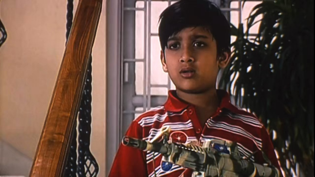 Hotath Neerar Jonnyo (2004) UNRATED Bengali 720p HDRip.mkv snapshot 01.35.58.541