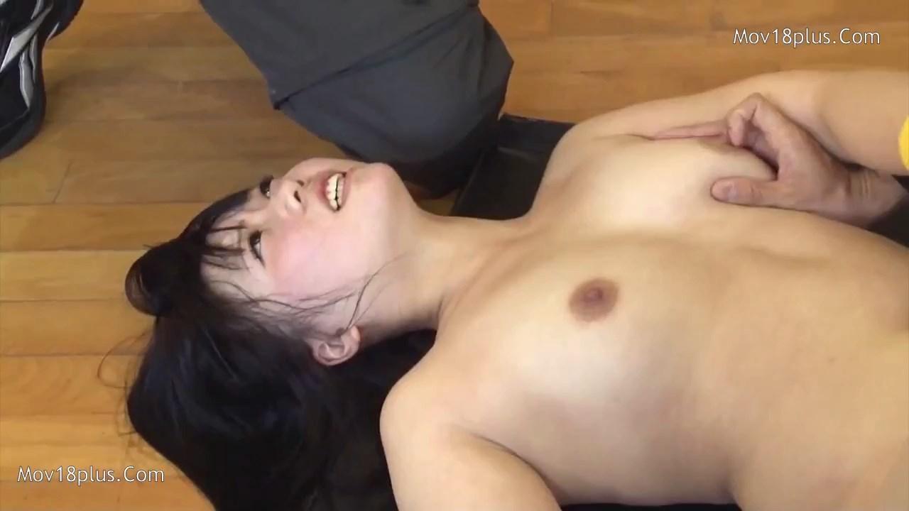 Actress Nude Tennis 2021 Korean Movie 720p HDRip.mp4 snapshot 00.28.51.166