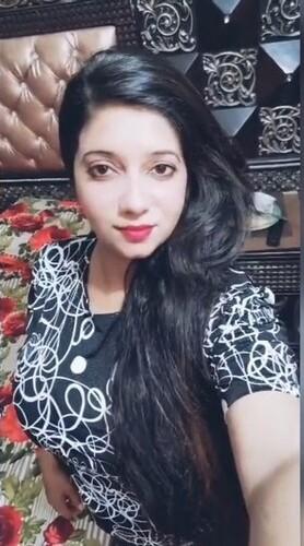 18+ Sexy Paki Girl Showing Her Big Boobs HDRip Download