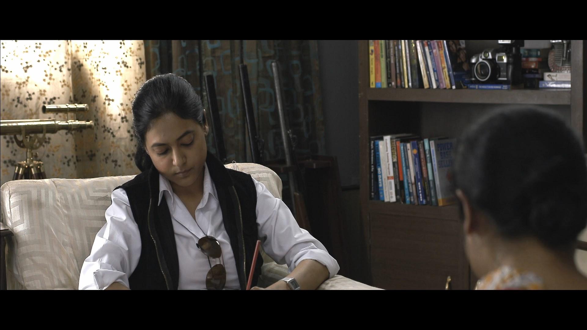 Ekti Bangali Bhooter Goppo 2021 Bengali 1080p WEB DL x264.mkv snapshot 01.41.32.000