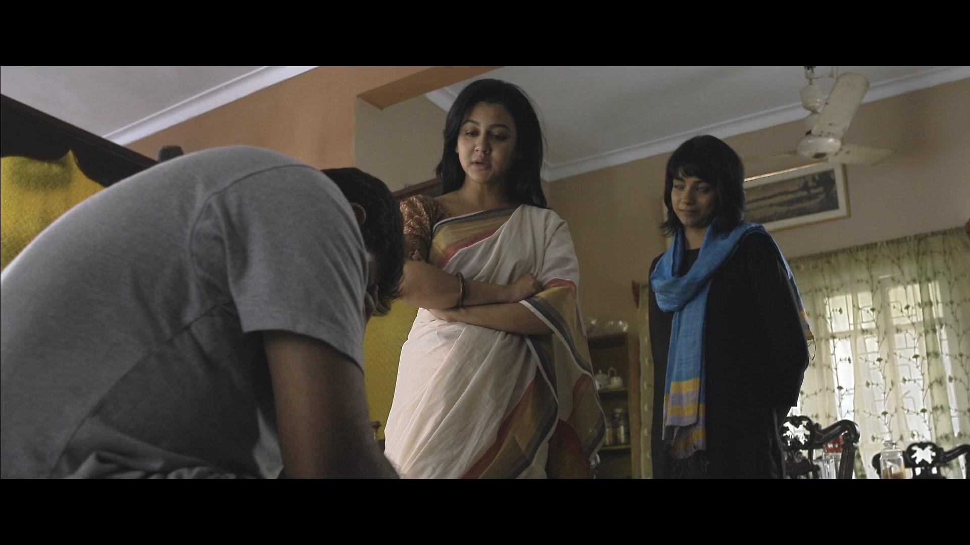 Ekti Bangali Bhooter Goppo 2021 Bengali 1080p WEB DL x264.mkv snapshot 01.54.40.000